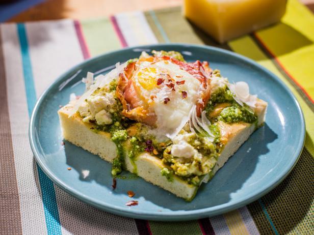 KC1213H_Green-Eggs-and-Ham-Sandwich_s4x3.jpg.rend.hgtvcom.616.462